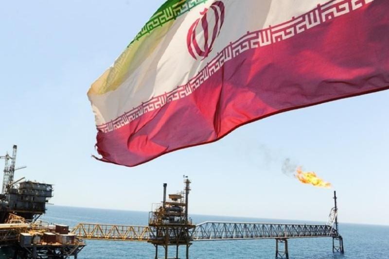 فوربس: خریداران عمده نفت ایران از تحریم های آمریکا پیروی نمی نمایند