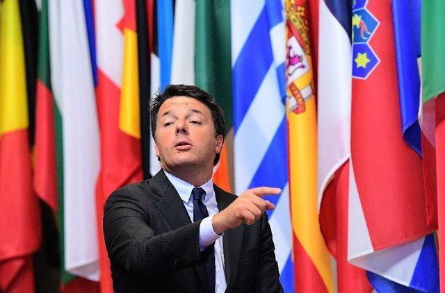 نخست وزیر ایتالیا اتحادیه اروپا را تهدید کرد