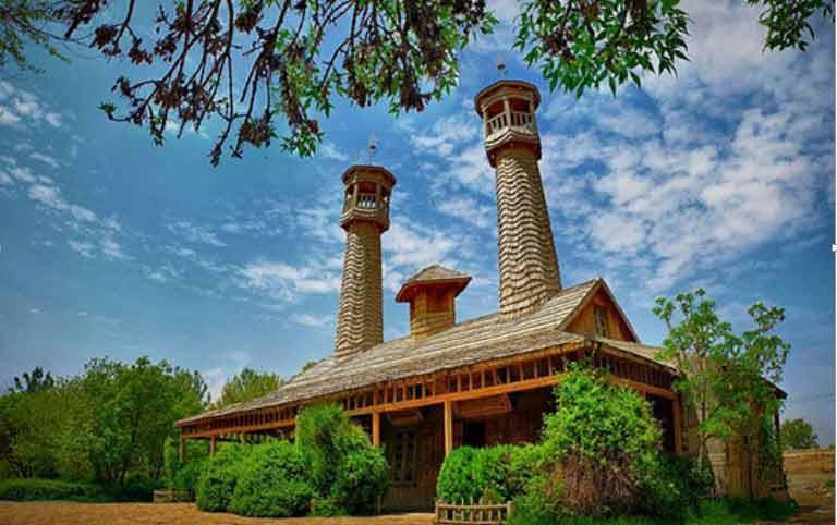 معماری تمام چوبی در روستای ملامحمد آقازاده نیشابور