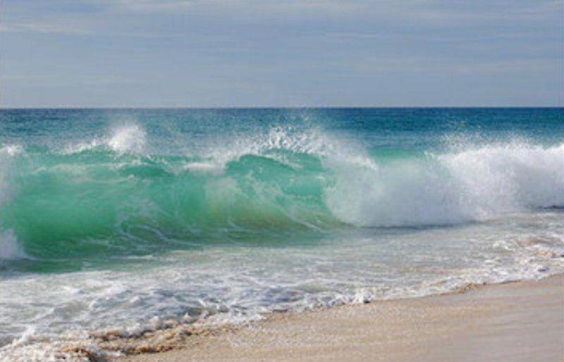 خبرنگاران ارتفاع موج در دریای عمان به بیش از 2 متر رسید