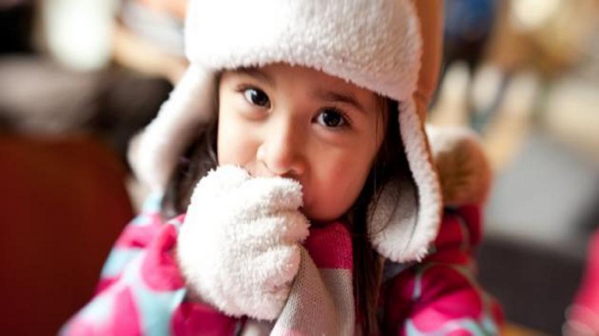 خوراکی های مفیدی که در زمستان برای بچه ها خطرناک می شوند