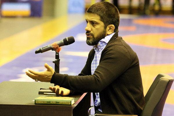 ملاقات علیرضا دبیر با مسئولان شورای شهر و شهرداری گلستان