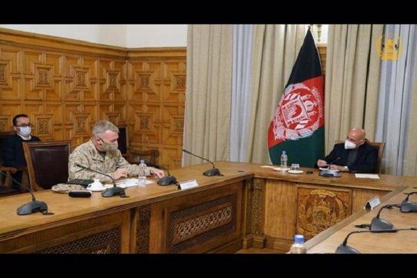 فرمانده تروریست های سنتکام با رئیس جمهور افغانستان ملاقات کرد