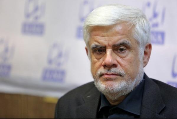 محمدرضا عارف: به دنبال عبور از روحانی نیستیم
