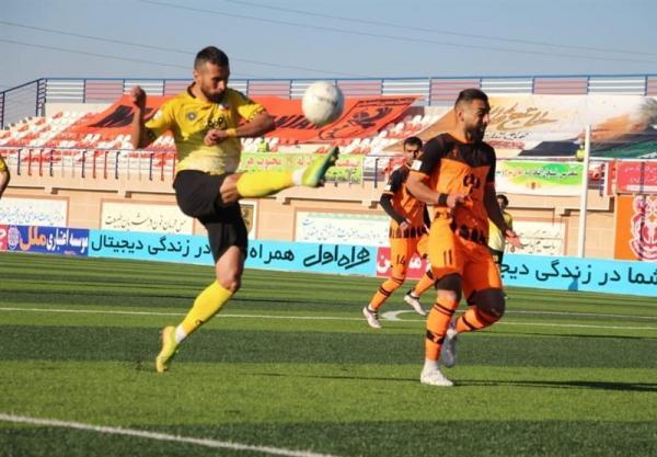 جام حذفی فوتبال، تساوی سپاهان و مس در نیمه نخست