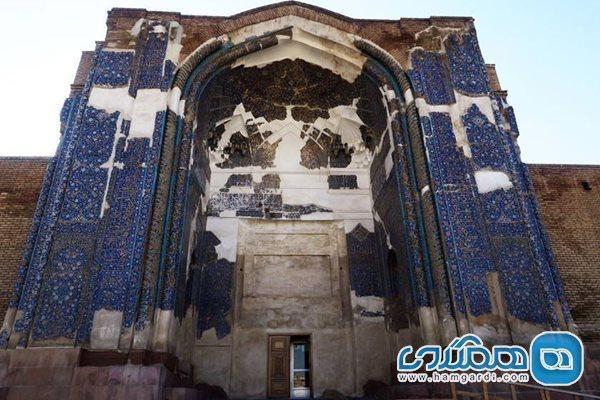 وندالیسم به دیوارهای مسجد کبود رسید