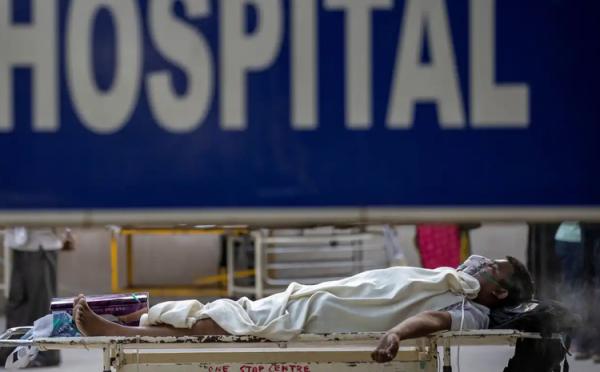 موج کرونا در هند با بیش از 300 هزار مبتلا در روز