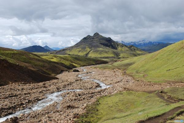 معرفی تعدادی از بهترین مسیرهای کوهنوردی و تپه نوردی دنیا