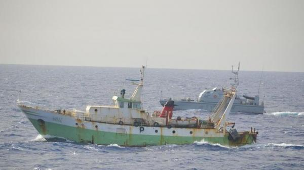 یک قایق ماهیگیری ایتالیایی هدف حملات کشتی ترکیه ای