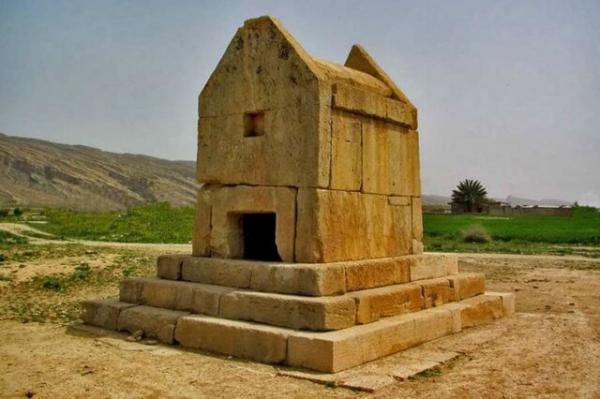 زلزله 4.1 ریشتری در دشتستان ، آثار تاریخی آسیبی ندیده است